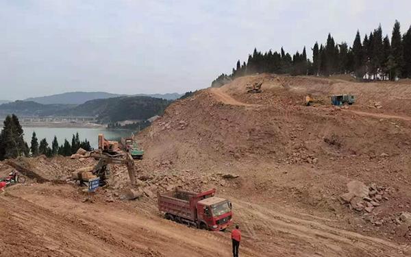 1、A线路堑边坡开挖